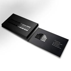 Tarjeta efecto barniz UV selectivo (85x55 mm.)